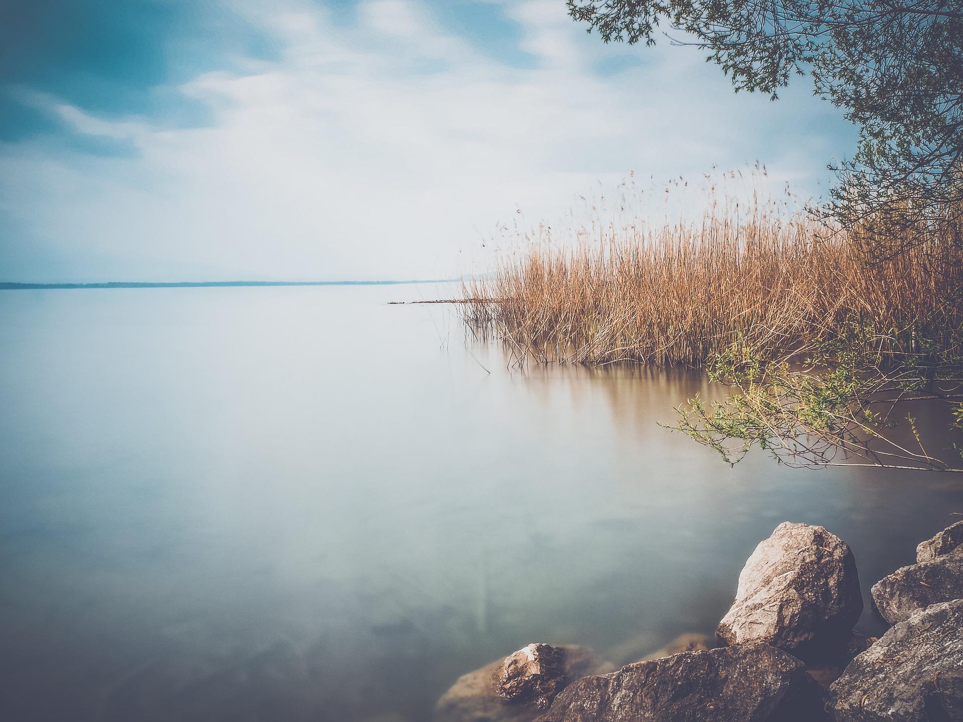 lake-1452521_1920